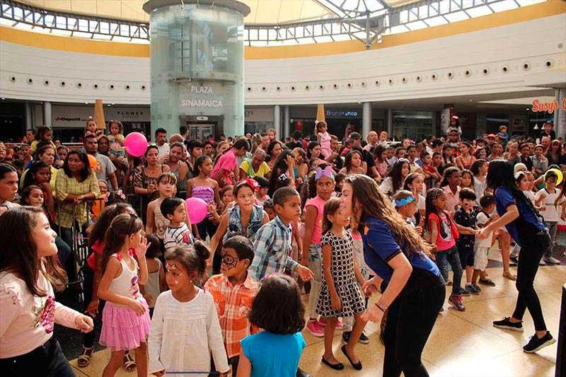 camilo ibrahim issa - Sambil Maracaibo llevó alegría a los niños en su día