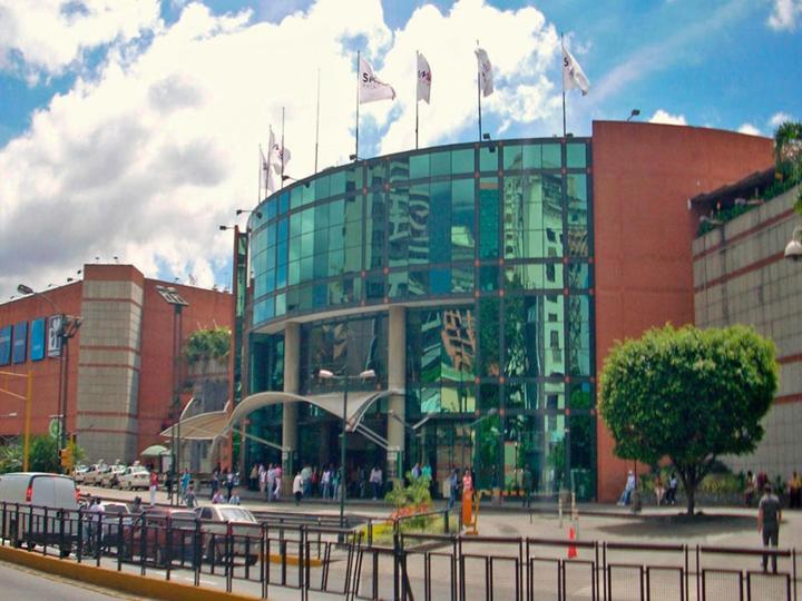 camilo ibrahim issa - Camilo Ibrahim Issa: Aumento del 40% de visitas se registró en los centros comerciales en junio