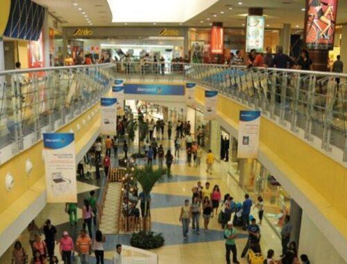 Camilo Ibrahim Issa: Diciembre inicia con centros comerciales abiertos