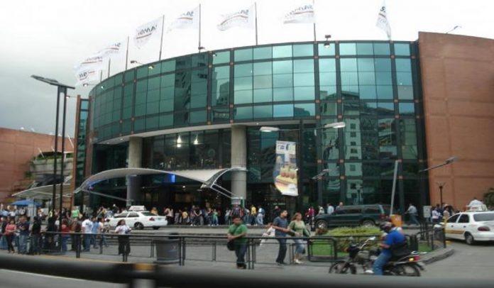 camilo ibrahim issa - Centros comerciales trabajaron eficientemente en el 2020