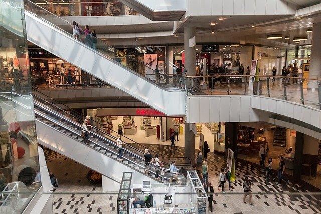 Camilo-Ibrahim-Issa-4-estrategias-de-marketing-para-centros-comerciales